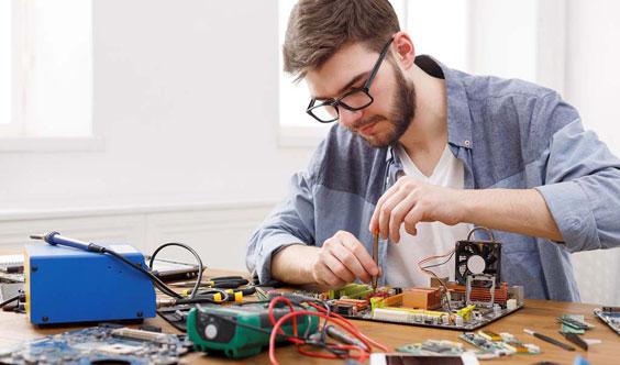 Компьютерный мастер Площадь Мужества